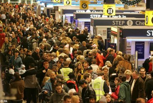 crowded-airport-300x203